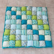 Best 25+ Bubble blanket ideas on Pinterest | Bubble quilt, Biscuit ... & I love these blankets, they're like 3-d Baby Puff Quilt by Adamdwight.com