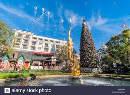Glendale Americana Christmas Tree Lighting Los Angeles Nov 26 Afternoon Of The Fountain And The