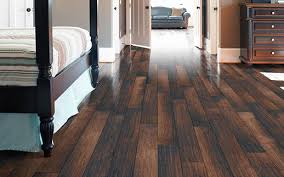 ... Amazing High Quality Laminate Flooring How To Pick The High Quality Laminate  Flooring For Your Apartment ... Amazing Pictures