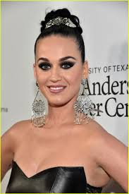 katy perry orlando bloom walk red carpet separately at parker institute gala