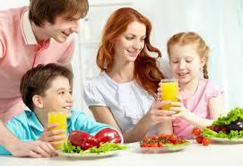 Семья и здоровый образ жизни Губкинская центральная районная  Даже в раннем школьном возрасте ребёнок ещё не способен осознанно и адекватно следовать элементарным нормам гигиены и санитарии выполнять требования