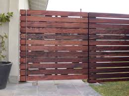 Horizontal wood fence wood fence ideas Home Interior Exterior