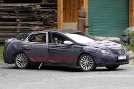 Spy Shots: Next-gen Hyundai Azera caught in Europe