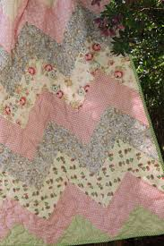 Best 25+ Baby girl quilts ideas on Pinterest | Baby quilts, Baby ... & Chevron baby quilt by http://quiltingstories.blogspot.com/2014/ Adamdwight.com