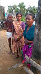 jugal r purohit thoughtso s weblog page 22 pulapaka elkurthy right and samakka gangula at the ankisa village in south gadchiroli