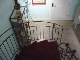 Treppen sind eine praktische erfindung, denn sie ermöglichen nicht nur sicher höhenunterschiede zu überwinden, sondern sie verbinden auch einzelne die premiumtreppe verleiht ihrem haus einen gewissen charme, da sie mit ihrer weitläufigen ausgestaltung an die prachtvollen treppenaufgänge. Im Treppen Haus Picture Of Marburger Haus Der Romantik Marburg Tripadvisor