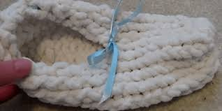 Easily Loom Knit A Pair Of Simple Slippers Loom Knitting