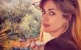 Isola dei Famosi 2021, Daniela Martani naufraga no vax non piace a  Selvaggia Lucarelli - Quotidianpost