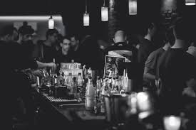 Znalezione obrazy dla zapytania bartender