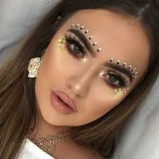 7 the golden dess look the abundance of colourful makeup looks
