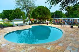 Elvis Presley\u0027s Pool is Well Preserved| Pool \u0026 Spa News ...