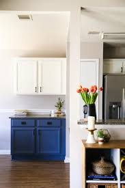 tips for painting kitchen cabinets quickly and easily