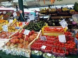 Risultati immagini per supermercato banco verdura
