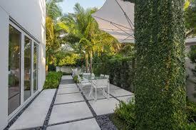 Side Yard Lighting Pin On Tropical Landscape Design