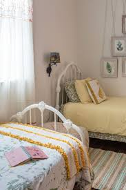 two bed bedroom ideas the 25 best two twin beds ideas on