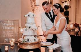 The cake cutting ceremony normally takes place toward the end of the reception dinner (before dessert if your cake is to be dessert of part of the dessert buffet), so your guests will be in the full swing of the party. Memorable Cake Cutting Songs Bridal Shower 101