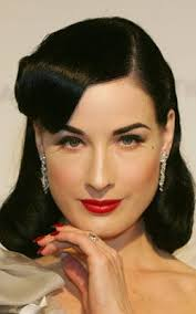 beauty and elegance clic 1940 s 50 s pinup look