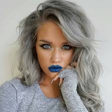 طريقة الحصول على لون شعر رمادي زيتي موضة 2019 مشاهير