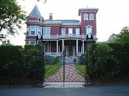 stephen king king s home in bangor