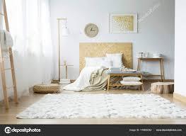 Bright Teppich Im Schlafzimmer Stockfoto Photographeeeu 176465242
