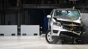 IIHS gives good ratings to 4 of 8 midsize pickups in crash test ...
