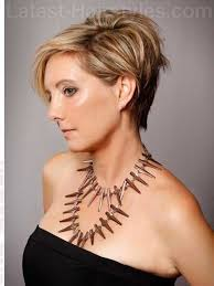 short haircuts for women over 50 9