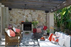 design an outdoor room
