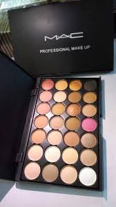 female m a c mac professional make up concealer palette 28 shades