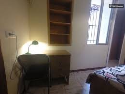 Single Bedroom Single Bed In Bedrooms For Rent With Metro Access Across The
