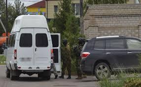 В Павлодаре полиция обыскала дом Аскара Бахралинова kz  Параллельно обыски прошли и у других членов семьи госслужащего