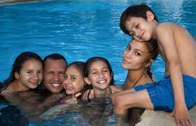 jennifer lopez with her kids her boyfriend and his daughters