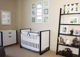 Por isso, hoje separamos algumas inspirações para os pais que estão montando o quartinho do bebê e ainda não definiram a paleta de cores. Quarto De Bebe Preto E Branco Fabiana Frias Designer De Interiores