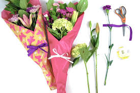 How To Wrap Flower Bouquet In Paper How To Gift Wrap Fresh Flowers Like A Pro