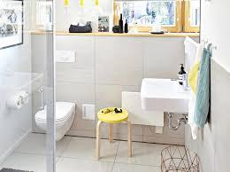 Badezimmer halbhoch gefliest mit bordüre : Weniger Ist Mehr Mit Fliesen Sparen Bild 3 Schoner Wohnen