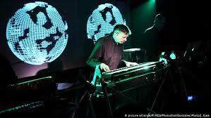 How <b>Kraftwerk</b> pioneered electronic music without <b>computers</b> ...