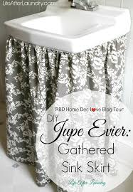 today i am sharing with you my diy jupe evier gathered sink skirt ok so in french sink skirt is jupe evier i mean come on i m part of the riley