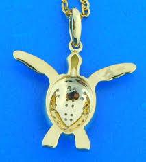 alamea diamond sea turtle pendant 14k yellow gold