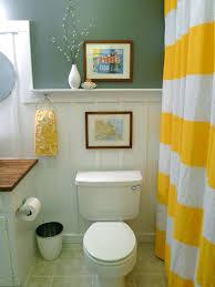 Inexpensive Bathroom Decor Decorating A Small Bathroom On A Budget