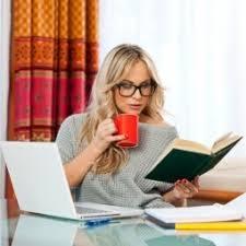 Картинки по запросу фото женщина за компьютером работает