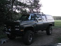 my `89 suburban page 3 expedition portal on the roofrack now i have 4 hella ff75 great stuff in the rear now i have a fusebox for the lights and for the engel refrigerator