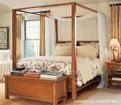 Farmhouse canopy bed from Pottery Barn | NCpedia