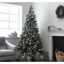 <b>Christmas Trees</b> | Pre-lit & Artificial <b>Christmas Trees</b> | Argos