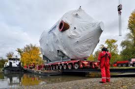 mammoet lifts reactor head for german