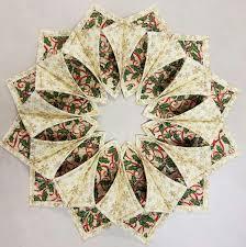 Free Fold And Stitch Wreath Pattern