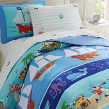 comforter set and sheet set