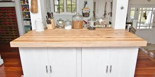 choosing beautiful maple countertops for your kitchen