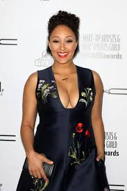 tamera mowry at 2016 make up artist and hair stylist guild awards i los angeles