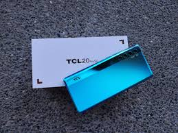 Tcl wanted to start the year strong, announcing its new bets with the tcl 20 5g and tcl 20 se. Tcl 20 Pro 5g First Impressions Stunning Design Lovely Display Capable Quad Camera System Review Zdnet