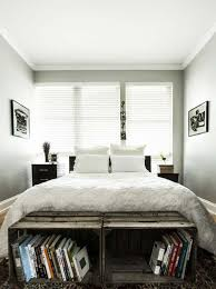 WOODEN CRATES Bedroom Decor Ideas for The Foot of the Bed homesthetics  decor (3)
