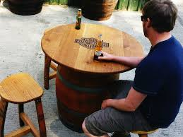 round barrel table